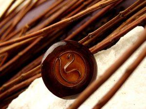 anillo de esmalte al fuego