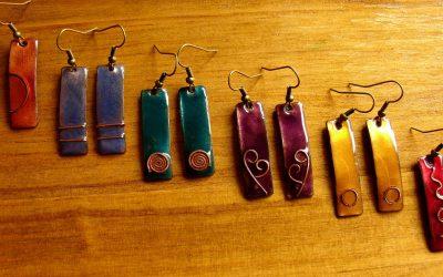 Pendientes rectangulares con motivos de cobre Ipan