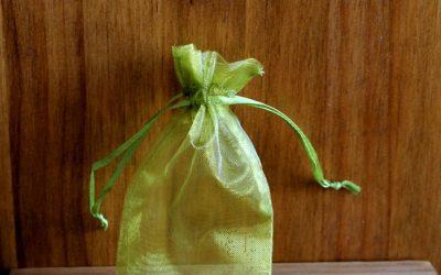 Bolsa de organza verde