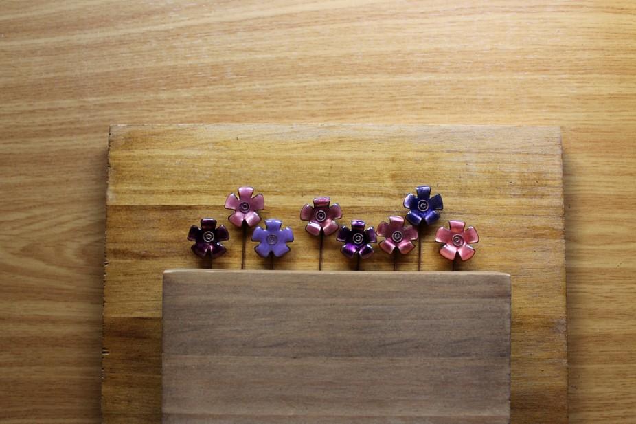 Serie de alfileres de flores en relieve Kirae…