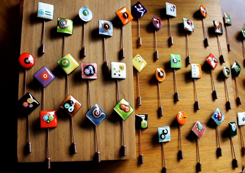 Alfileres decorados con cristales de murano modelo Sulu