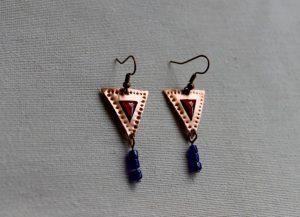 Pendientes realizados a mano y recreados en antiguas joyas romanas