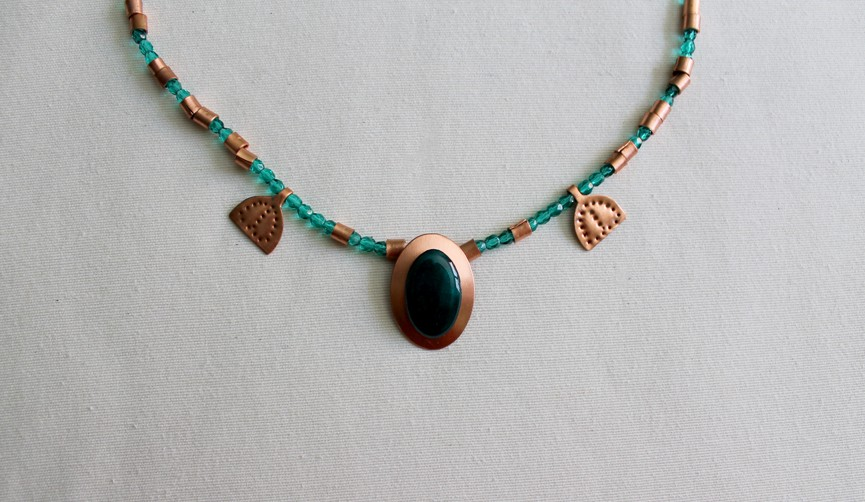 Collar-basado-en joyas-romanas