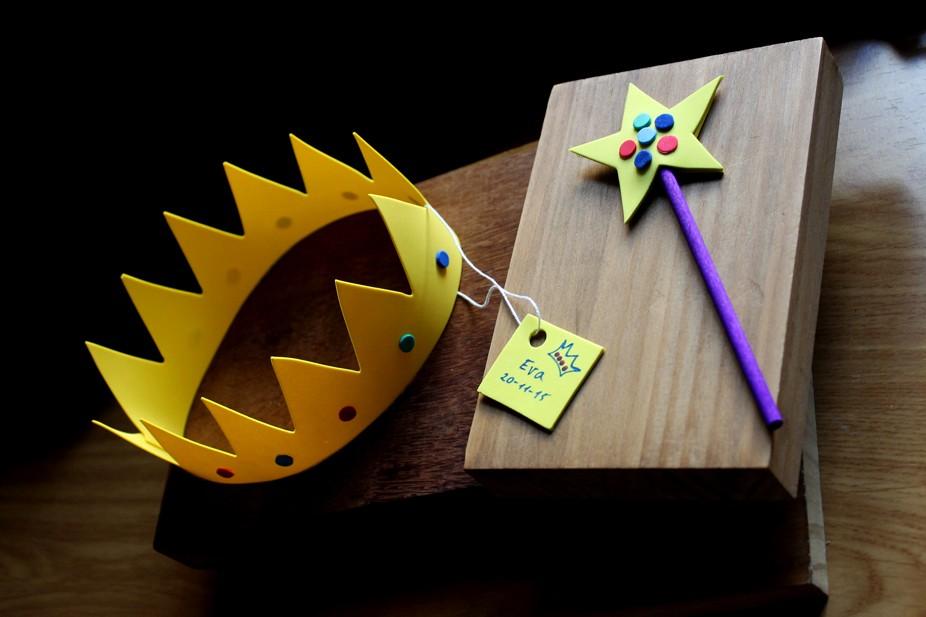 Corona y varita mágica Aurel